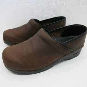 Dansko Professional Nubuck Leather Dress Clogs 43